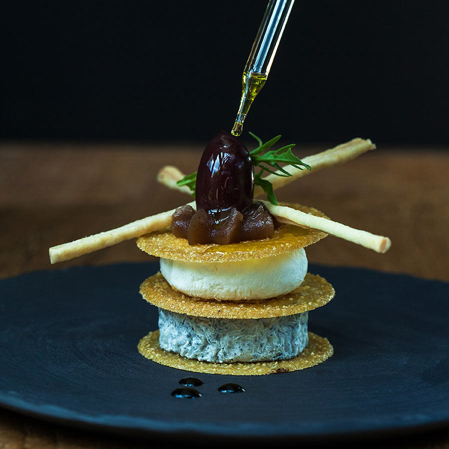 croustillant-de-chevre-au-sarrasin-chataigne-et-olive-noire
